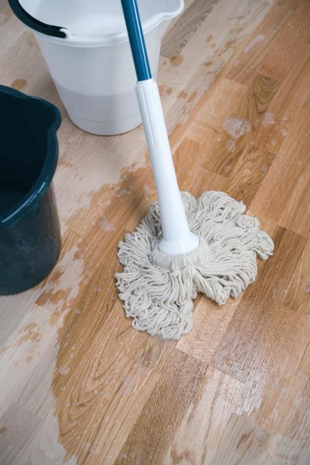 Ploviklis medinėms grindims Woca Wood Cleaner, 1 L
